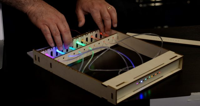 THE PHOTONIC PIANO: FARE MUSICA CON LA LUCE